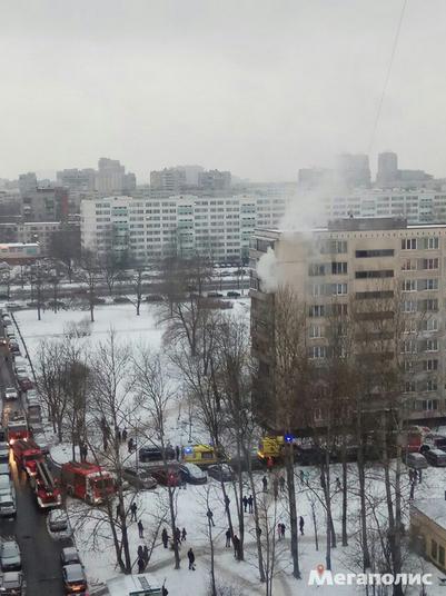 Спасенный из огня в Петербурге ребенок остается в тяжелом состоянии. Фото Мегаполис