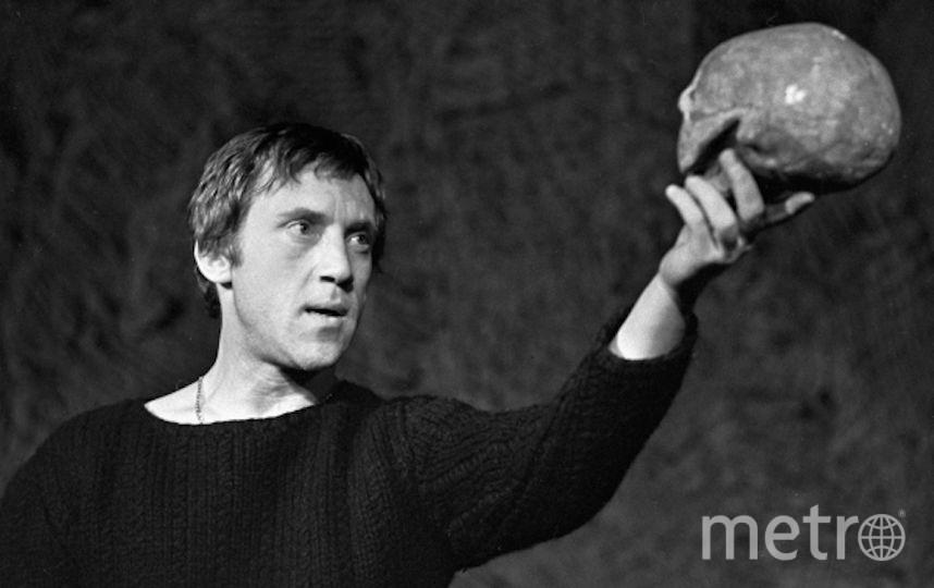 Актёр Владимир Высоцкий в роли Гамлета. Фото РИА Новости