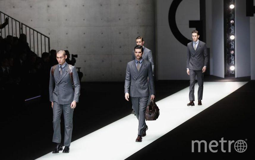 Коллекция Дома моды Emporio Armani на Неделе моды в Милане. Фото Getty