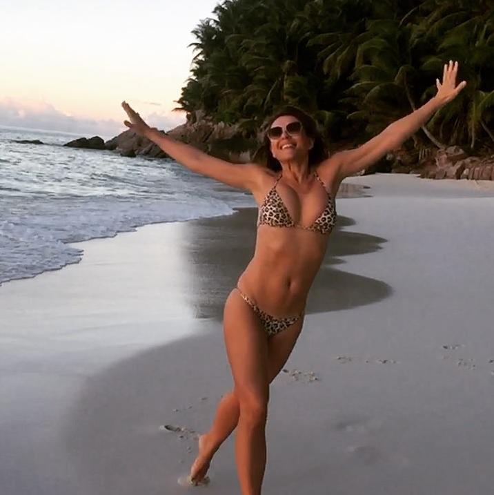 Горячие фото Элизабет Херли появляются с завидной регулярностью. Фото Скриншот Instagram: @elizabethhurley1