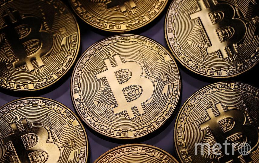 Курс биткоина упал до рекордных в этом году 10,5 тысяч долларов. Фото Getty