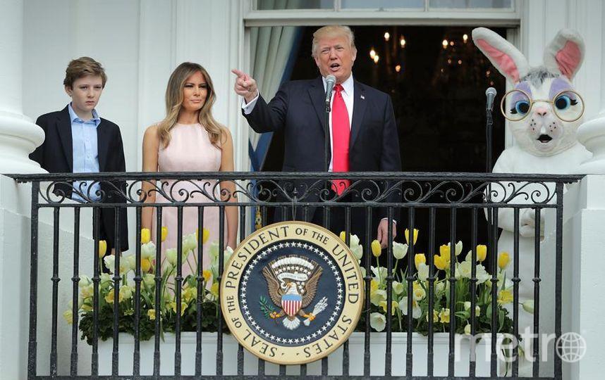 Дональд Трамп и Мелания Трамп с Бэрроном на Пасху в Белом доме 17 апреля 2017 года. Фото Getty