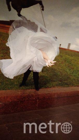Фото было сделано на нашей свадьбе 18 лет назад в октябре 1999 года в Москве на Поклонной горе. С тех пор мы вместе, растим дочь и сына. Очень хотим победить и выиграть поездку во Францию! Фото Розен Татьяна и Михаил