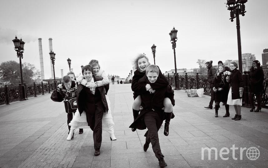 Тяжела супружеская ноша. На финише пары - я и Анна, Александра и Алексей, Кирилл и Катя. Фото Глеб Монахов