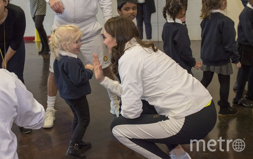 Герцогиня пообщалась с учащимися школы. Фото Getty