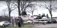 Немец залез в ванну и слетал на ней в магазин: видео