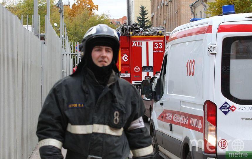 СК проводит проверку после пожара в Москве, при котором дети выпрыгнули с 4-го этажа. Фото Василий Кузьмичёнок