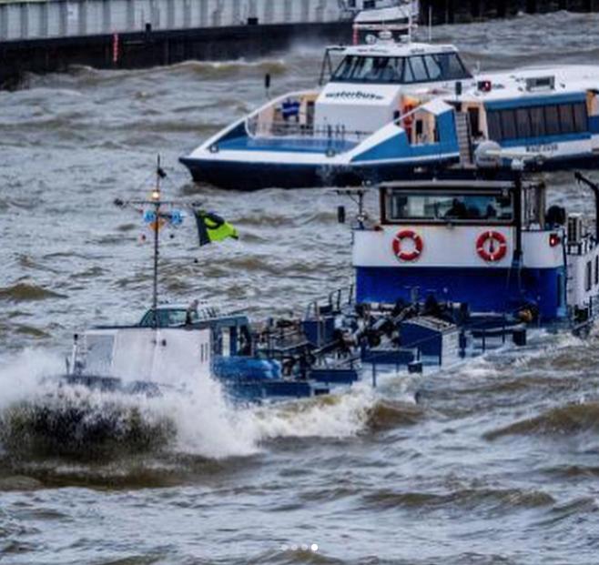 Ураган в Голландии. Фото Instagram @cristalespiedras