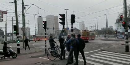 Интернет заполонили парящие по ветру голландцы: фото и видео из соцсетей
