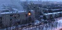 Страшный пожар на пр.Космонавтов в Петербурге: жильцов разместили в автобусе