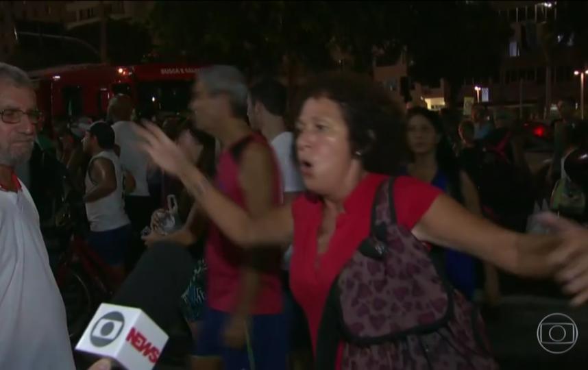 Скрин-шот видео. Фото https://g1.globo.com/rj/rio-de-janeiro/noticia/carro-invade-calcadao-e-praia-de-copacabana-e-deixa-f