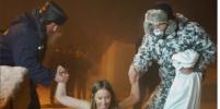 Ксения Собчак окунулась в прорубь на Крещение в Томске