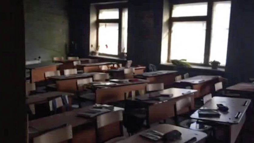 Класс после нападения, школа в Бурятии. Фото РИА Новости