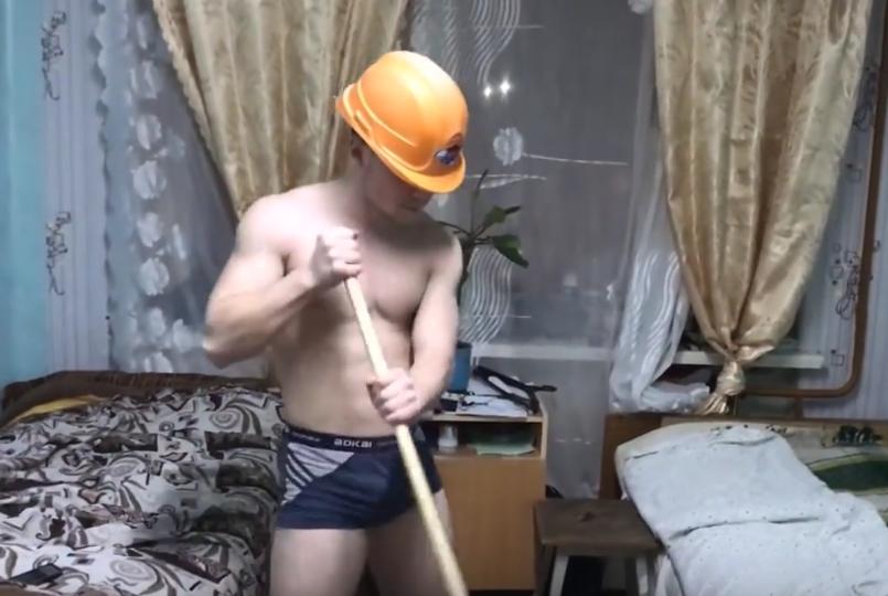 """""""Горячие девушки и спасатели"""": танец ульяновских курсантов разошелся по миру."""