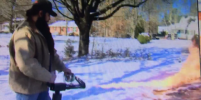 Американец почистил дорожку перед домом от снега при помощи огнемёта – видео