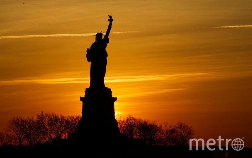 Статуя Свободы, туристам приходит любоваться на достопримечательность только издалека. Фото Getty