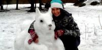 Пушкин, белочки и дракон: Необычных снеговиков лепят в Петербурге