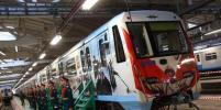 Поезд в честь городов-героев войны запустили на серой ветке столичного метро