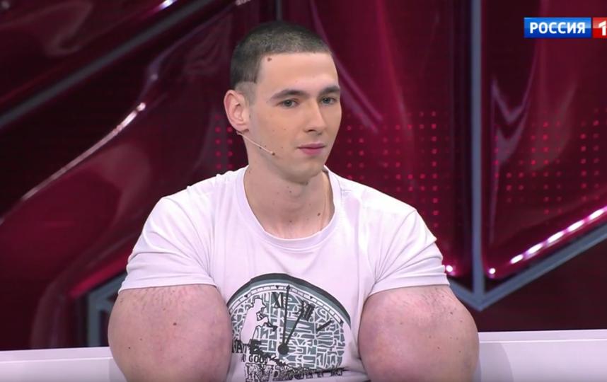"""Кирилл """"руки-базуки"""" Терешин. Он же """"мистер Синтол"""". Фото Скриншот Youtube"""