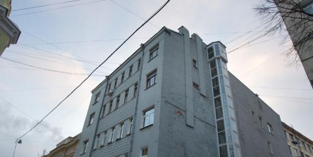 3. Володя часто возвращался по старому адресу, но не к отцу, а к другу Левону Кочаряну.