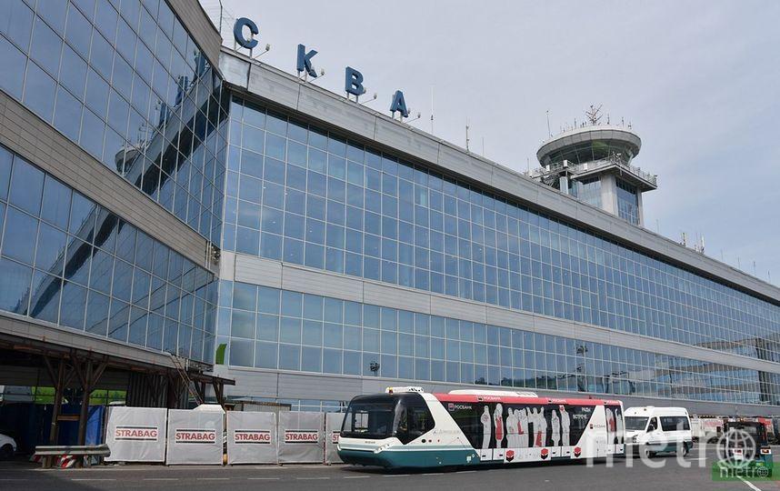 Самолёт при посадке протаранил трап и машину в столичном аэропорту Шереметьево. Фото Василий Кузьмичёнок