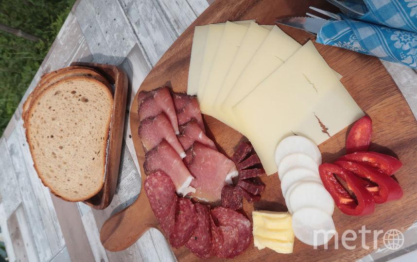 Жирная пища животного происхождения повышает уровень холестерина в крови. Фото Getty