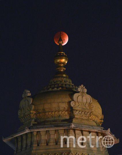Суперлуние в Индии. Фото AFP
