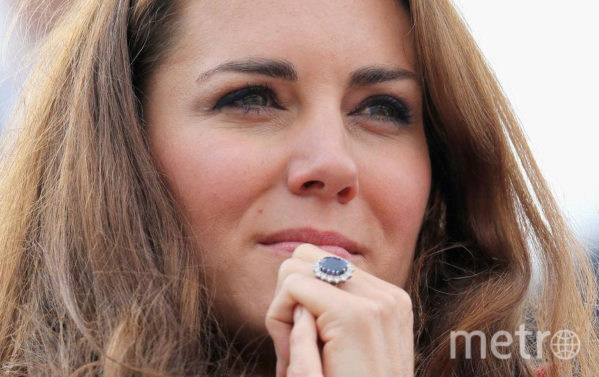Кейт Миддлтон носит кольцо принцессы Дианы с цейлонским сапфиром. Фото Getty