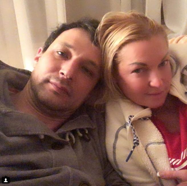 Анастасия Волочкова и её возлюбленный. Фото Instagram @volochkova_art
