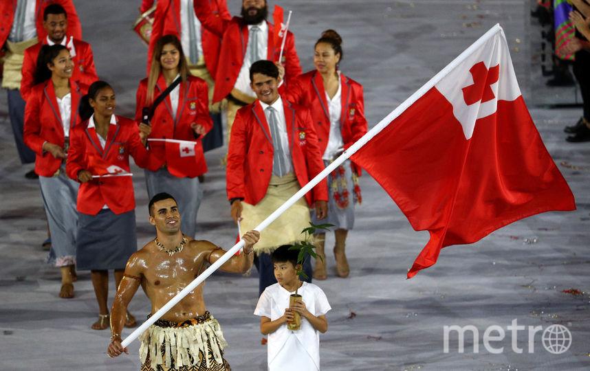 Пита Тауфатофуа запомнился экстравагантным видом на церемонии открытия Олимпиады в Рио, где он нёс флаг Тонга. Фото Getty