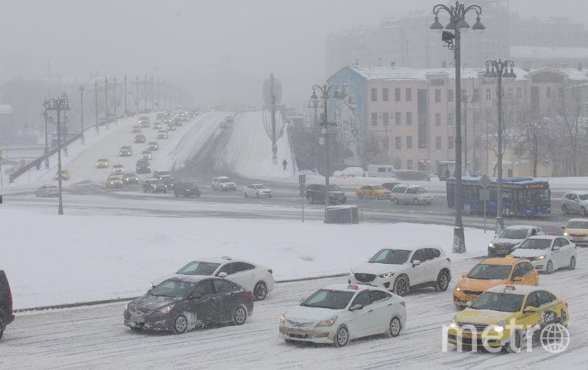 Снегопад в Москве. Фото Василий Кузьмичёнок