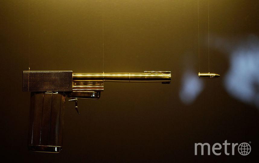 Золотой пистолет из фильма «Человек с золотым пистолетом» | Иллюстрация. Фото Getty
