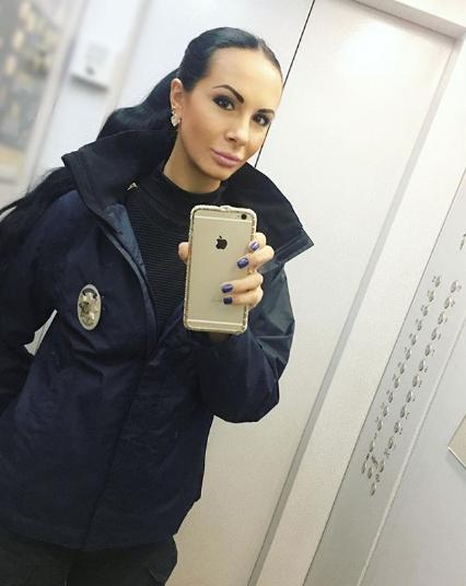 Одна из участниц фотосессии киевских полицейских. Фото www.instagram.com/lyudmila_milevich