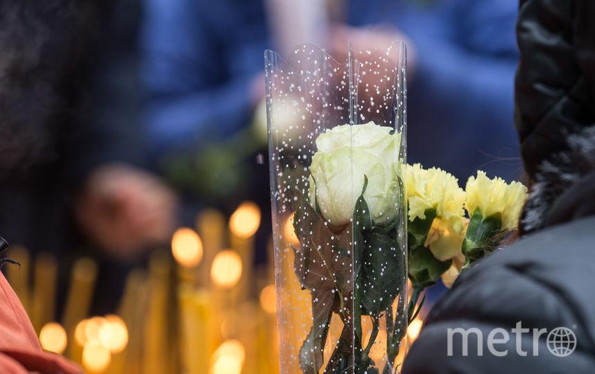 """Петербуржцы столпились в очереди у часовни Ксении Блаженной: Фото. Фото Святослав Акимов, """"Metro"""""""