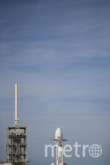 Falcon Heavy на стартовой площадке, 5 февраля 2018 года. Фото AFP