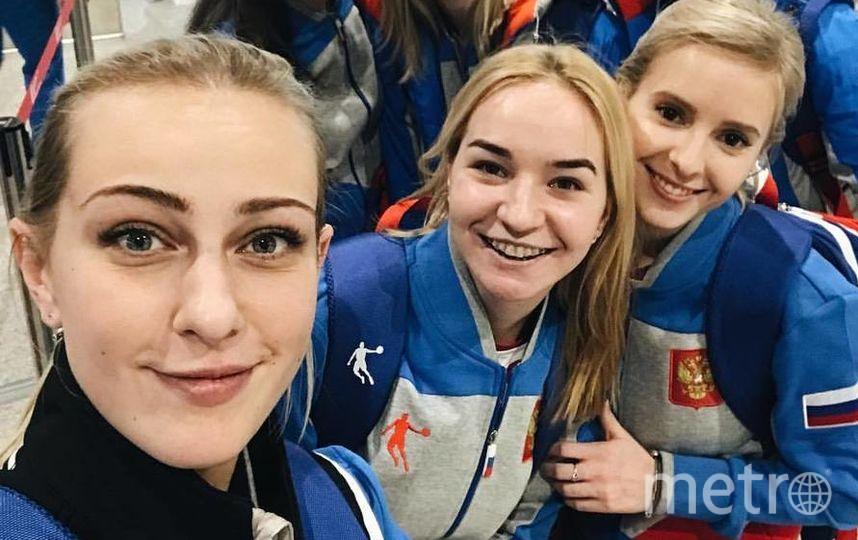 Виктория (первая слева) и её команда | фото из личного архива Виктории Моисеевой.