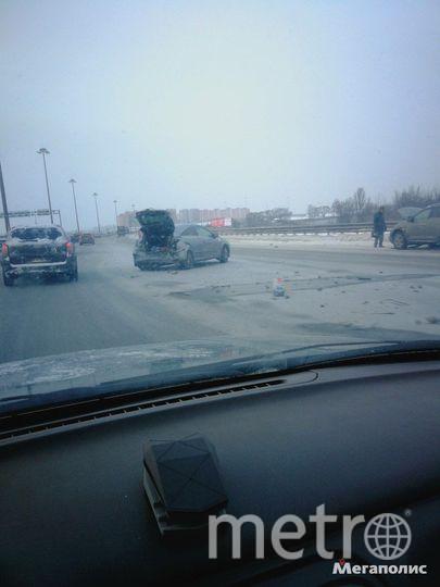 В Петербурге на место массового ДТП прилетел вертолет: Фото. Фото Мегаполис