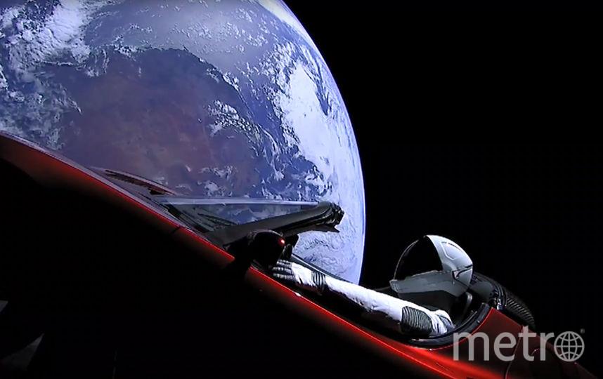 Tesla Roadster в открытом космосе. Фото AFP