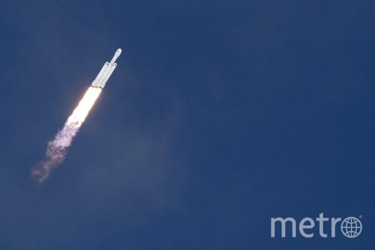 Старт ракета-носителя Falcon Heavy. Фото AFP