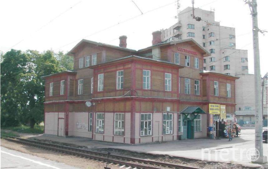 Деревянное здание Сестрорецкого вокзала признано региональным памятником в 2016-м году. Фото КГИОП gov.spb.ru