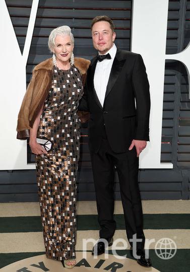 Илон Маск с матерью. Фото Getty