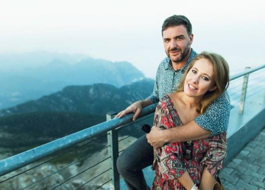 Ксения Собчак с мужем Максимом Виторганом. Фото www.instagram.com/xenia_sobchak