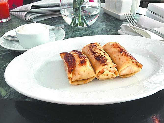 Блинчики с форелью и сливочным сыром. Фото Зинаида Мишина.