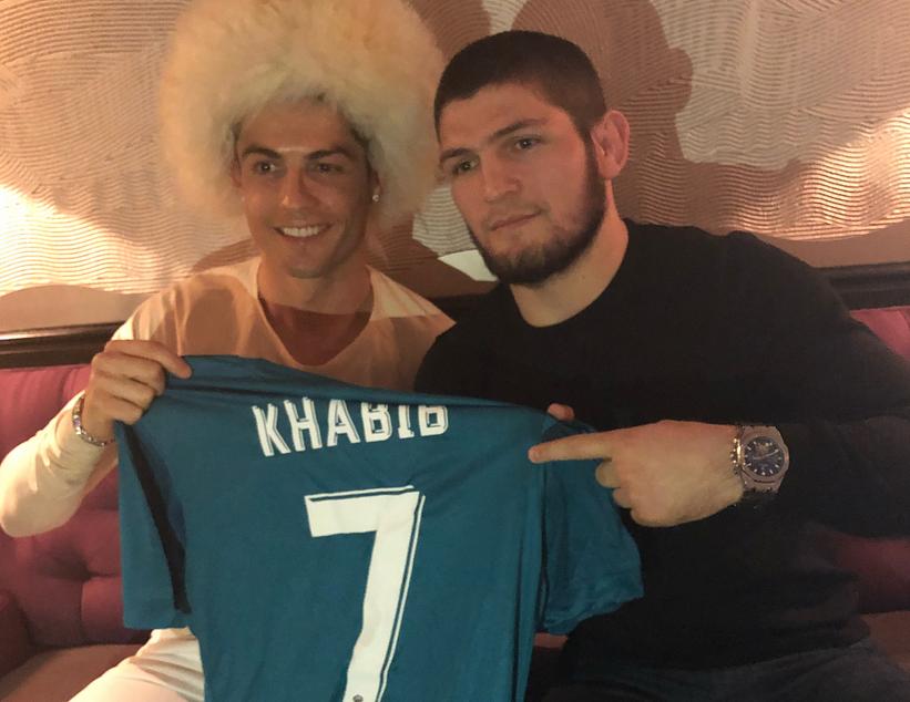 Хабиб Нурмагомедов и Криштиану Роналду обменялись подарками. Фото Скриншот instagram.com/khabib_nurmagomedov/