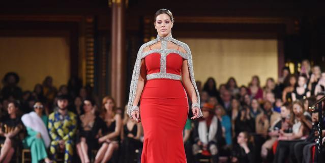 Неделя моды в Нью-Йорке собрала звезд. Эшли Грэм собрала восхищенные отклики.