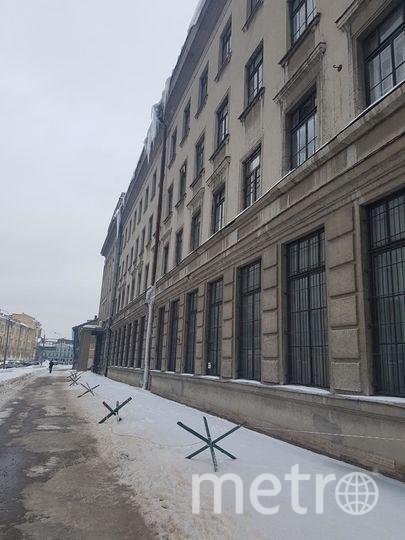 Сосульки в Петербурге. ул. Введенский канал, дом 6.