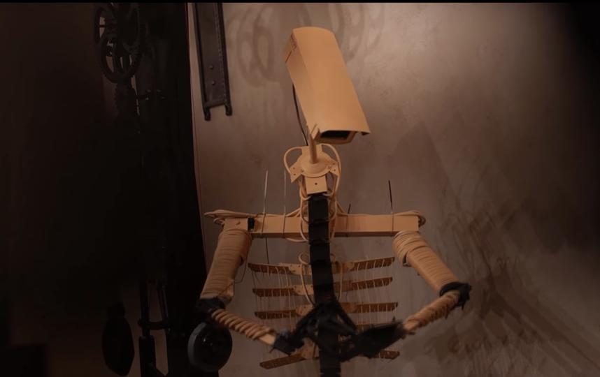 Установка робота. Фото скриншот видео Валерии Шаймордановой., Скриншот Youtube
