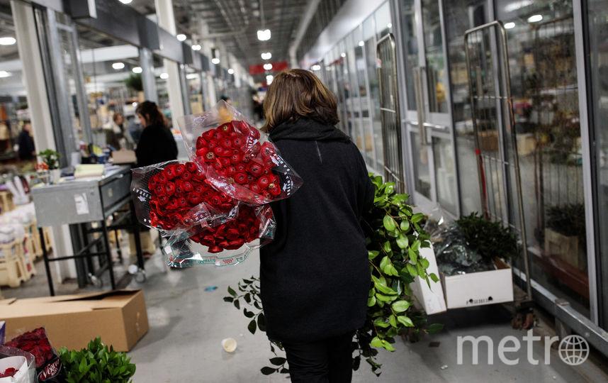 Цветы в День Валентина - обязательный подарок. Фото Getty