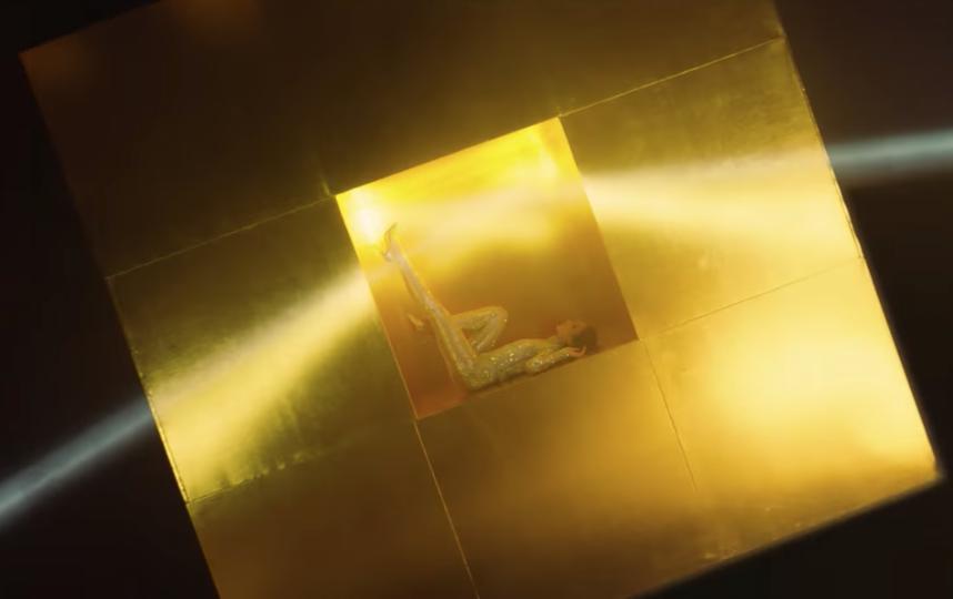 """Кадр из нового клипа Ольги Бузовой """"Wi-Fi"""". Фото Скриншот Youtube"""