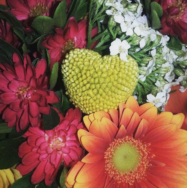 Букет ко Дню святого Валентина. Фото Instagram @sonyareznik